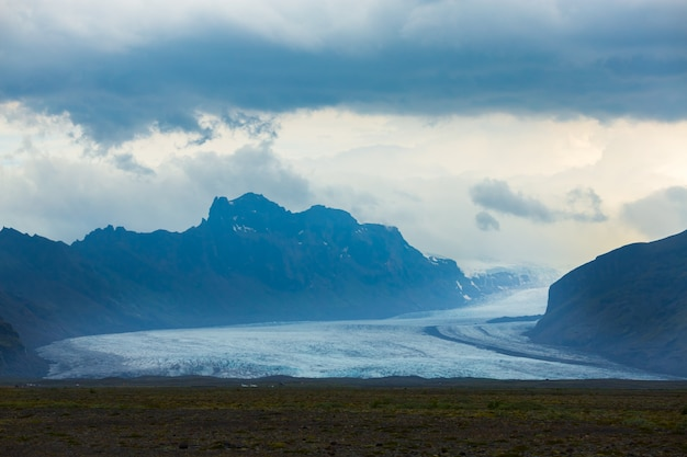 スカフタフェル氷河の風光明媚なビュー