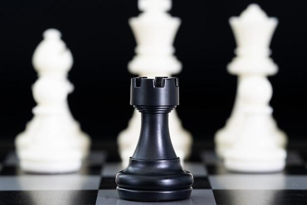 チェス盤のチェスの駒