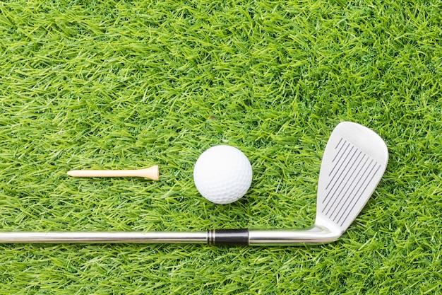 ゴルフ用品に関連するスポーツ用品