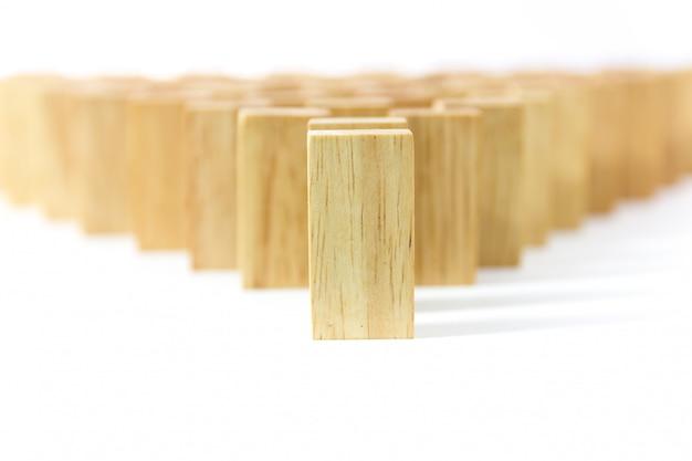 行木製ドミノ