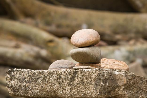 国立公園内の国立公園での石の重なり、コピースペースの幸運への信念