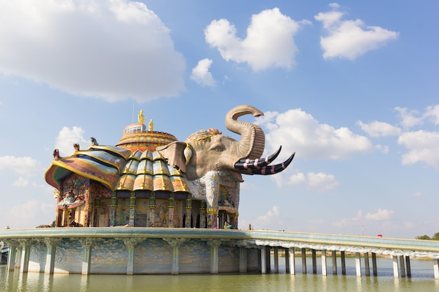 Архитектура в ват бан рай, провинция накхонратчасима, таиланд