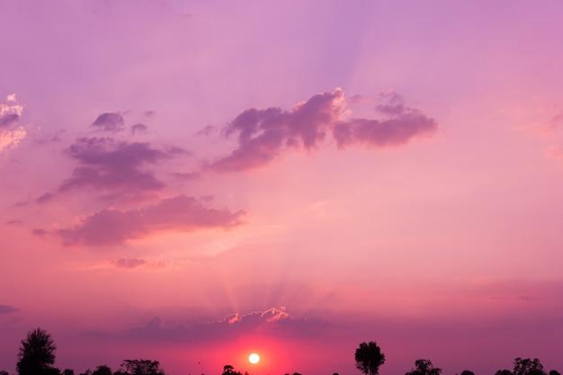 カラフルな夕日、自然な背景
