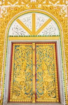 寺院でのドア