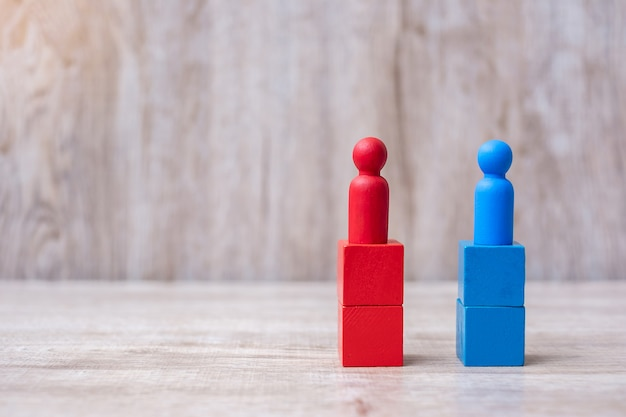 赤と青のビジネスマンリーダーの戦い