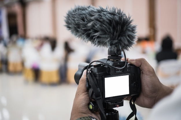 カメラマンのための三脚のカメラマンビデオか専門のデジタルミラーレス