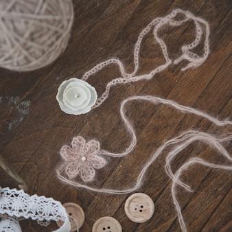 装飾的なかぎ針編みの弓