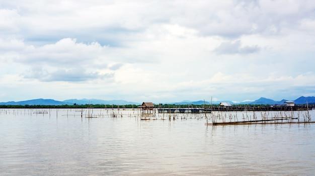 ラグーンの漁師の村。