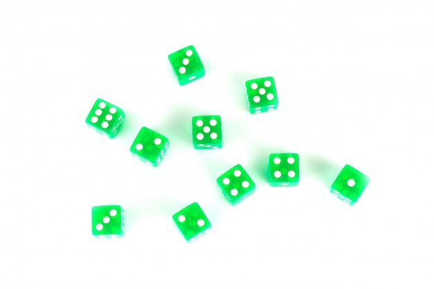 Кости зеленые, изолированные на белом