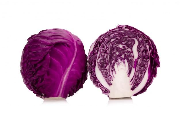 白で隔離される紫キャベツ