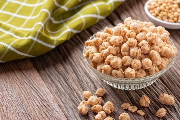 植物性タンパク質、ベジタリアン料理用の大豆肉、ビーガンダイエット。