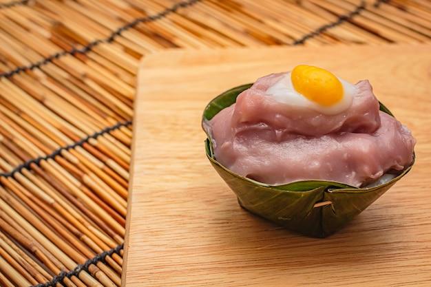 Тайские десерты в банановом листе.