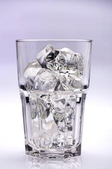 ガラスのキューブ