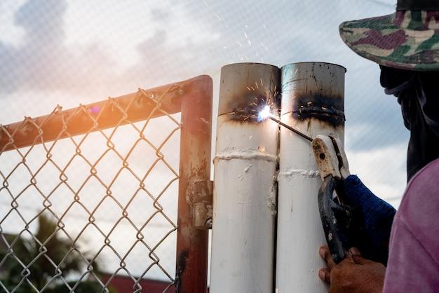 アイアンマン溶接鉄のガレージドア修理