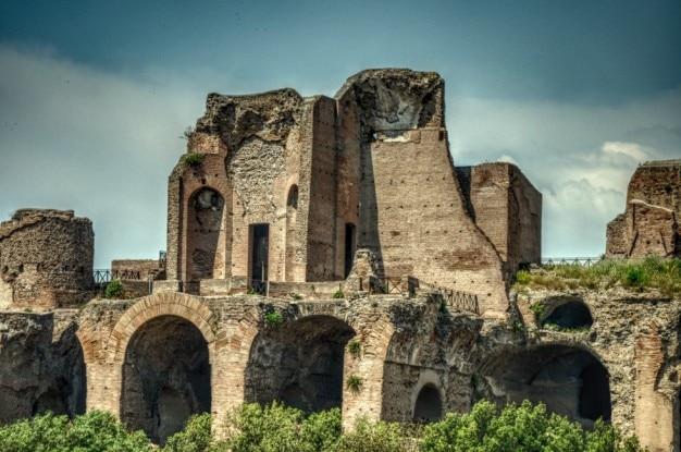 宮殿の遺跡