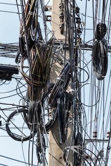 Лабиринт кабеля в таиланде
