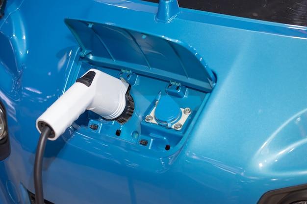 電気自動車のバッテリーの充電