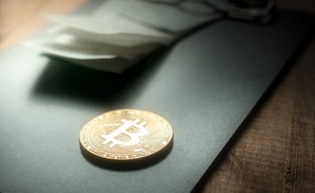 Золотая монета биткойн с биллом холдером