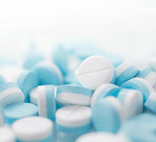 アセトアミノフェンまたはパラセタモール、薬
