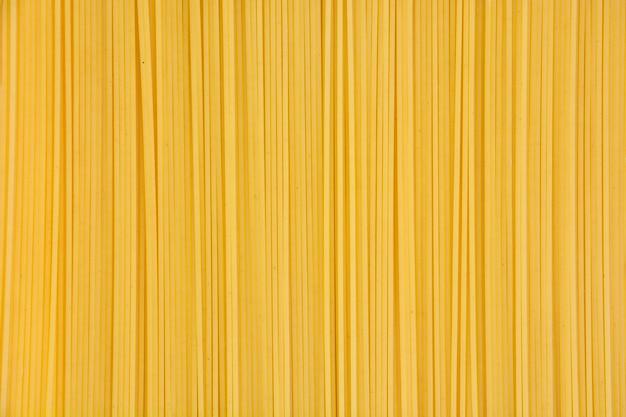 黄色生スパゲッティテクスチャ背景の上から見た山