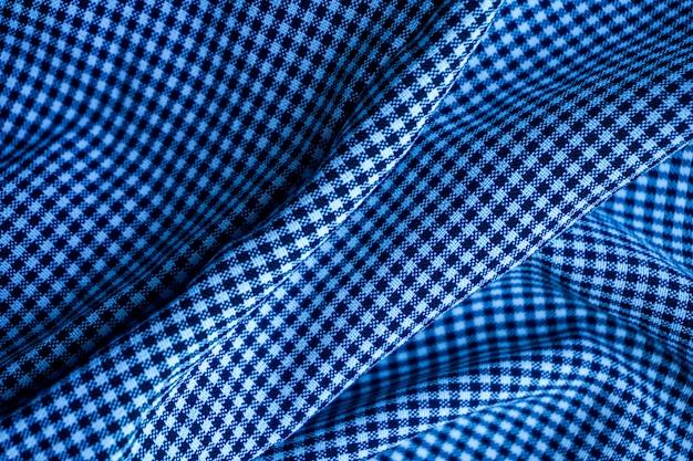 背景や表面の青い波パターン生地