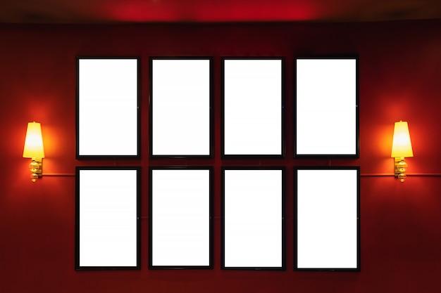 映画ポスターの映画館のライトボックスまたは表示フレームの映画館のライトボックスまたは白い空白の看板