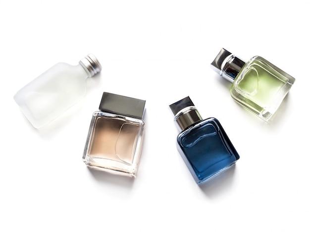 さまざまな形の携帯用香水瓶の平面図セット。