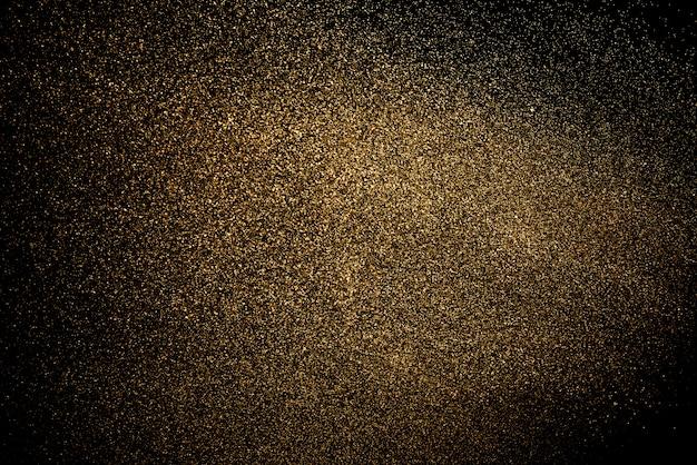 Всплеск воды на черном фоне