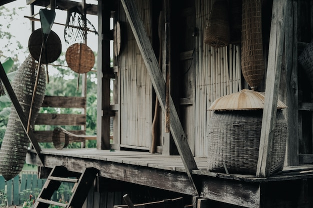 タイの木造コテージ小屋の家