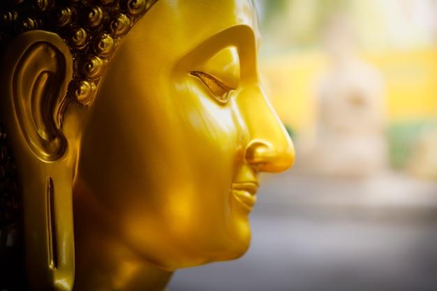 黄金の仏頭
