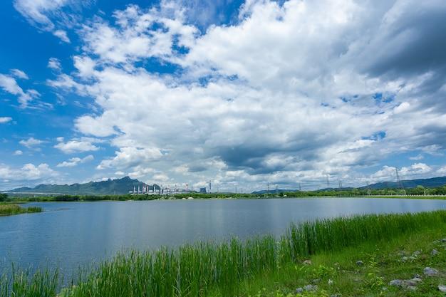 石炭発電所の景観貯水池