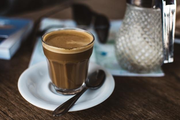 ガラスのコーヒー