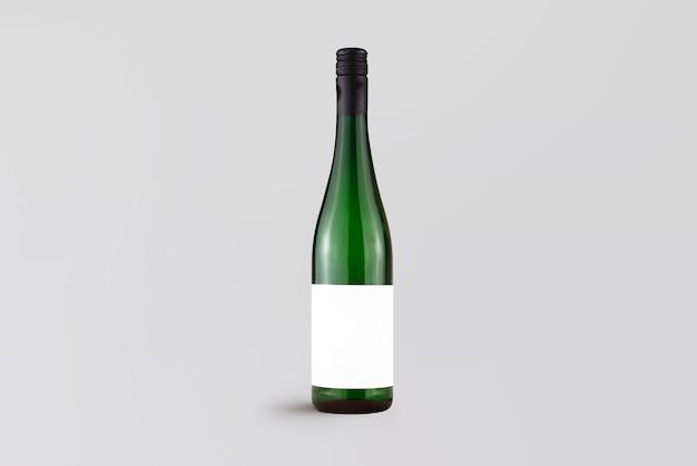 Зеленая бутылка вина на сером