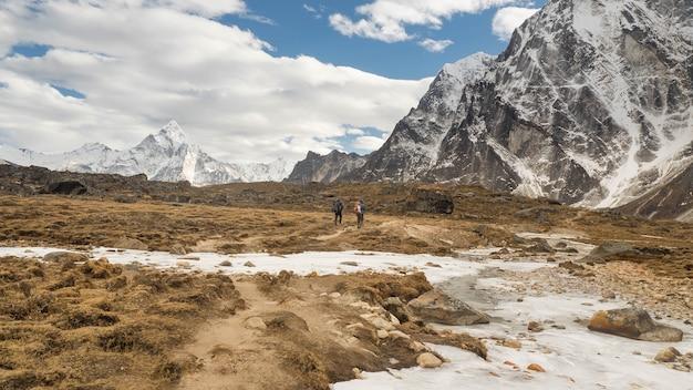 エベレスト地方のハイキング方法