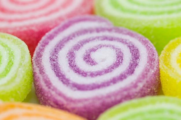 カラフルなフルーツゼリーキャンデーの品揃え