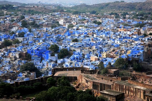 インド、ラジャスタン州の青い街ジョドプールの夕焼け時の街並み