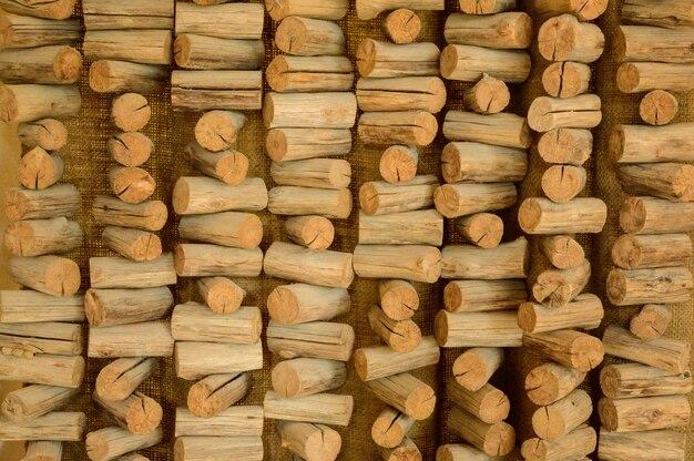 小さな木の棒の背景装飾