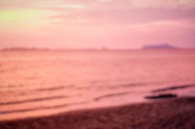 抽象的なぼやけた海の海夏の背景。