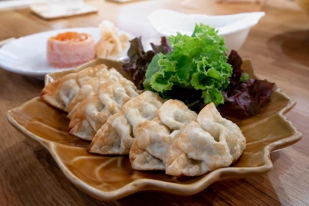餃子餃子、日本食