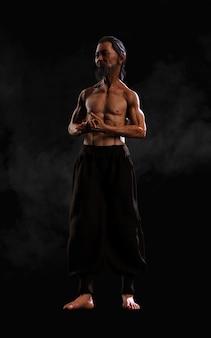 クリッピングパスを用いた人間の格闘技スポーツトレーニング