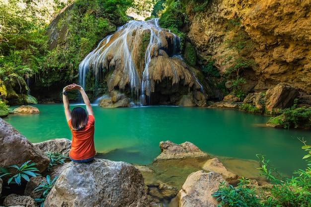 メーピン国立公園ランプーン県、タイランドの美しい水辺。