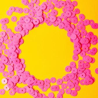 抽象的なグラム、ファッションピンクの輝くスパンコール。トレンディな質感。