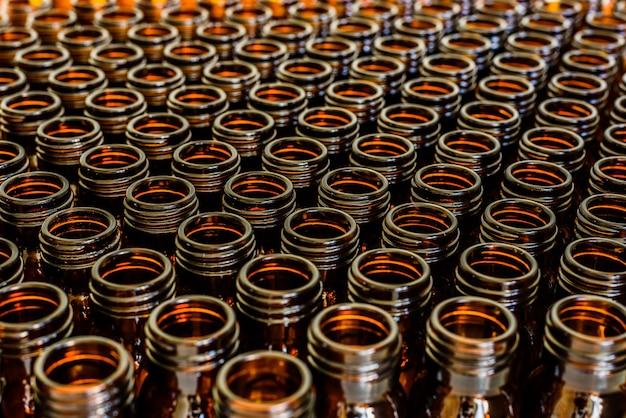 空のバイアル、化学製薬業界の概念。