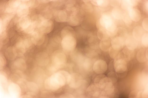 抽象的なぼかし茶色の白い背景。