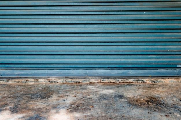 パターンガレージドアとモルタル