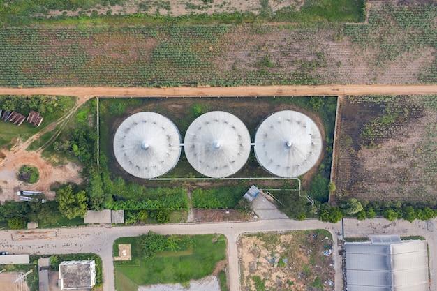 エタノールエチルアルコール工場の貯蔵タンク、サトウキビ、糖蜜の再生可能エネルギー生産