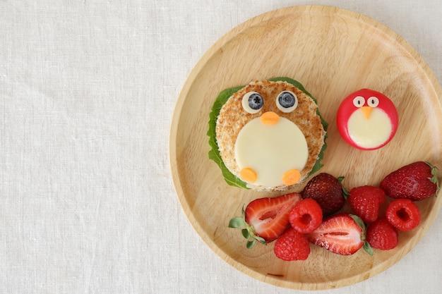 Пингвин здоровый обед, весело питание искусства для детей