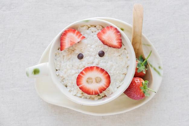 Свинья овсяная каша завтрак, весело питание искусство для детей