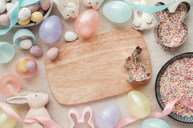 イースターエッグとウサギの子供たちの背景