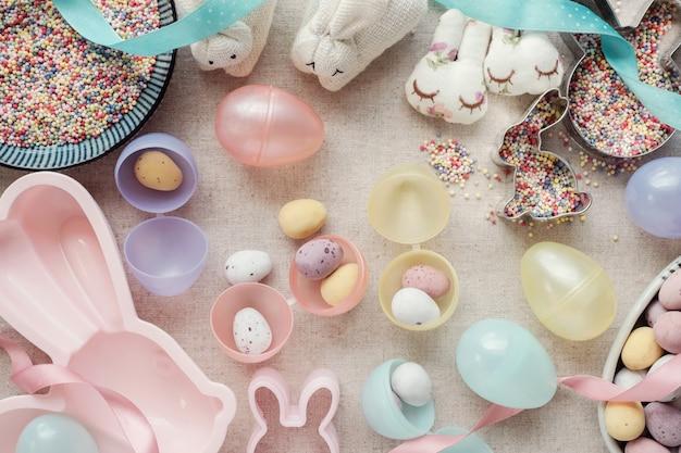 イースターエッグと子供のためのウサギ